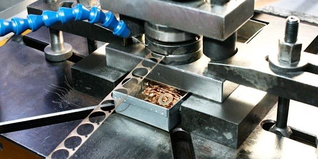 Повышение надежности и долговечности штампов для разделительных операций листовой штамповки эпиламированием
